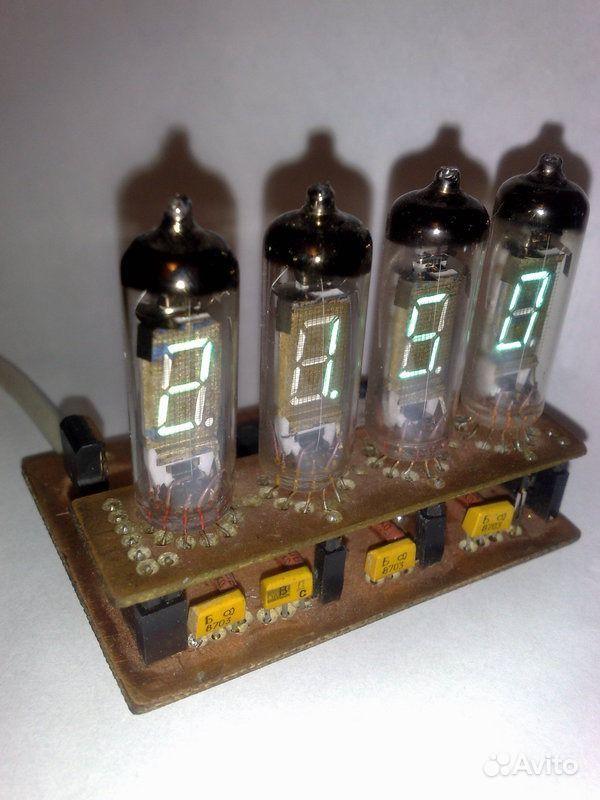 Электронные часы на