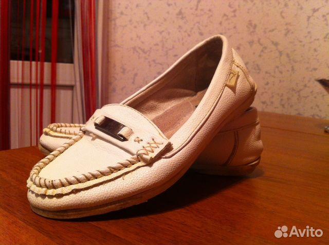 Почему при аварии слетает обувь