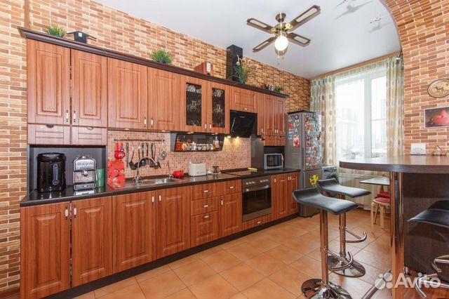 Продается двухкомнатная квартира за 4 100 000 рублей. Кировский, Петухова, 22 к 1.