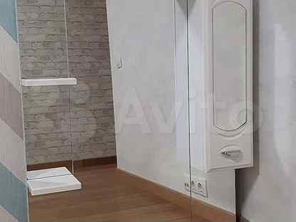 Шкаф с зеркалом в ванную